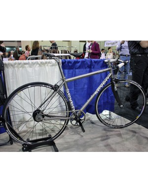 This Seven townie was built with a Rohloff rear hub