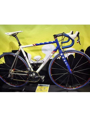 Independent Fabrication are raffling off a custom bike like this to benefit the Wounded Warrior Project, an organisation that aids injured veterans. Tickets are available at www.rrcycling.com