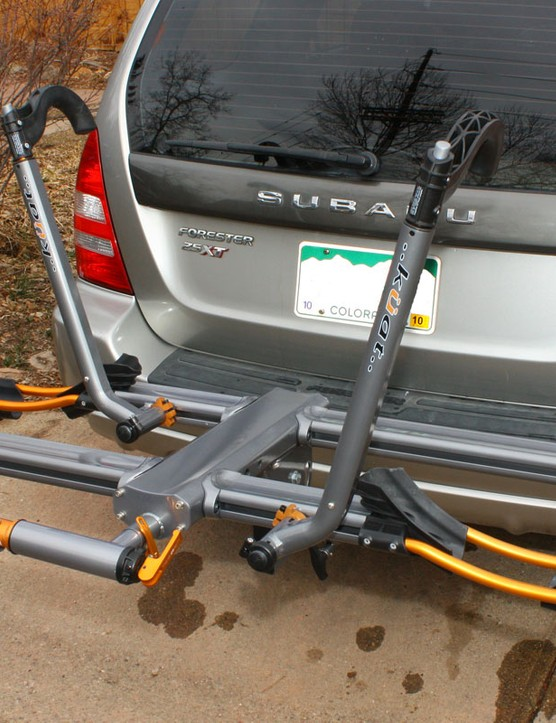The Küat NV hitch rack carries two bikes without needing to remove the front wheels