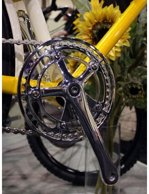 The crank on this Yipsan townie was hand-polished, as was the AceCo chain guard