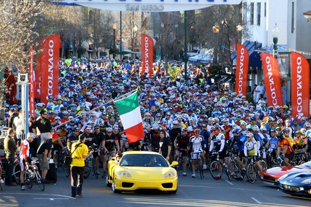 The start of the 2009 San Diego Gran Fondo.