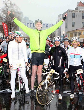 NBA Hall of Famer, Bill Walton with Paolo Bettini at the start of the very wet Colnago Gran Fondo San Diego