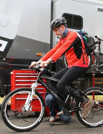 Scott mechanic setting up a bike for testing