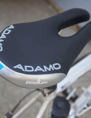 The Adamo Podium features a two-pronged nose that totally relieves pressure on the perineum.