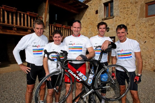 Paul Kimmage (2nd L) with Andrew Croker (L), Lawrence Dallaglio (C), David Millar (2nd R) and Jonny Nye (R) in Girona