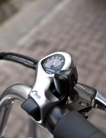 The easy-to-use thumb shifter and button for the Shimano 6 speed Tourney drivetrain
