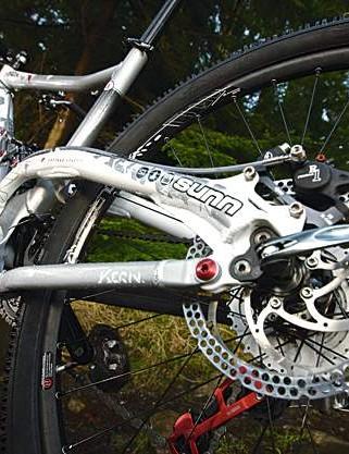 Forumla R1 brakes do the business, no fuss