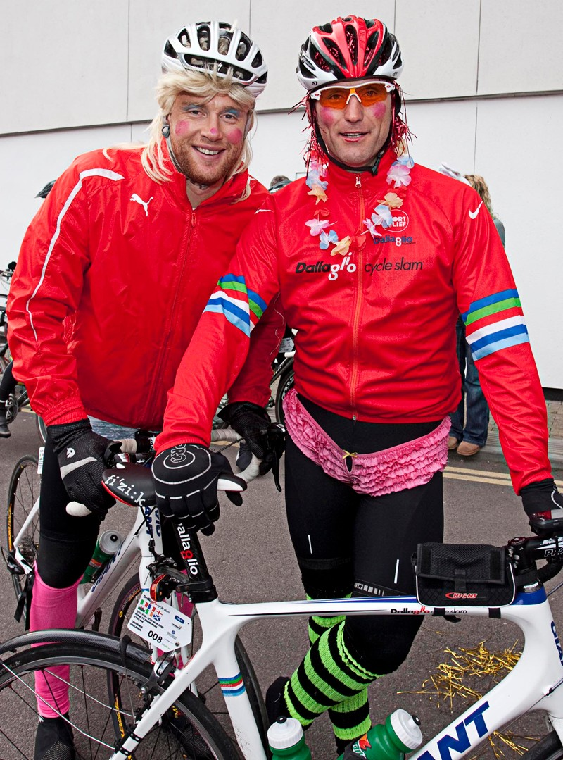 """Dallaglio was joined by various sporting celebrities en route, including Ashes hero Andrew """"Freddy"""" Flintoff"""