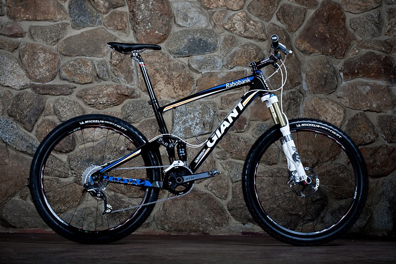 Adam Craig rides a 2010 Giant Anthem X Advanced SL, size medium