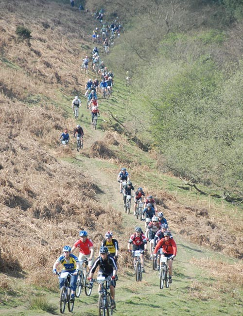 Riders hit the 2009 course