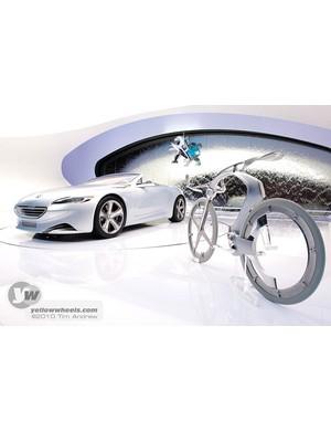 Peugeot SR1 concept car and bike