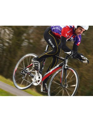 The Warp squeezes maximum juice out    of every pedal stroke and puts    it straight through the rear    wheel on smooth surfaces