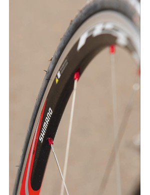 The conventional shallow rim Shimano RS30 wheelset is light and very smooth-running