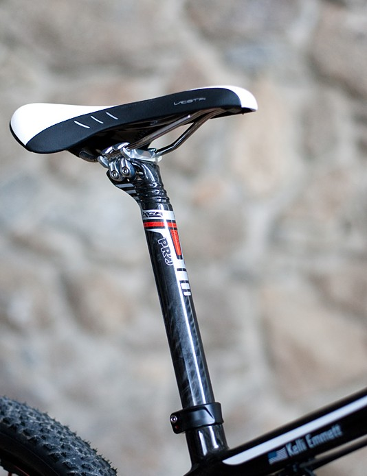 The PRO XCR carbon fibre seatpost is topped with Fizik's new Vesta saddle