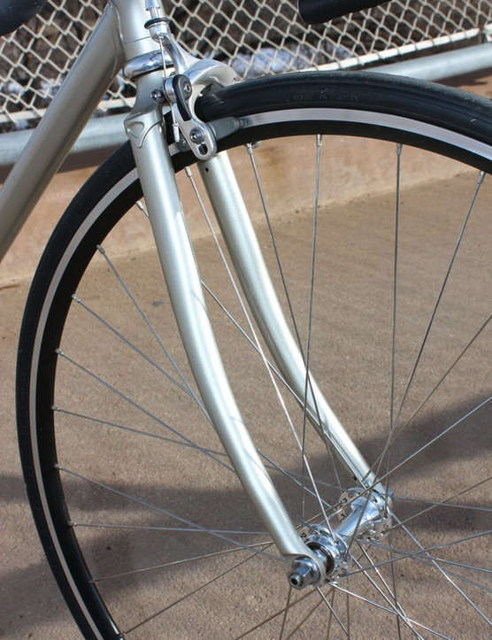 Wabi pair the lugged steel frame with a matching steel fork, lending a balanced feel to the front and rear ends