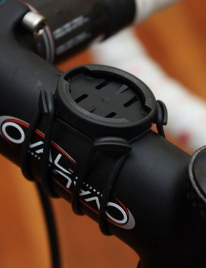 The new mount uses reusable o-rings to attach to either the handlebar or stem but the old mount felt more secure
