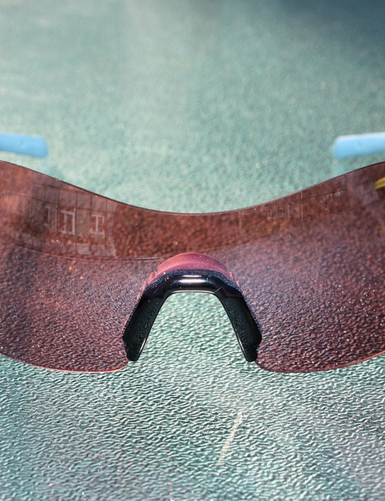 The rimless single-lens configuration is lightweight and offers excellent field of view and eye protection