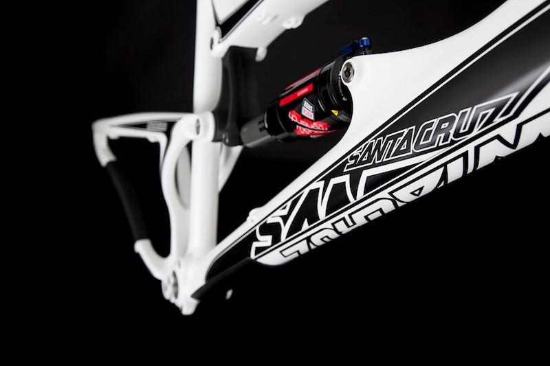 Carbon Santa Cruz Nomad-c first look - BikeRadar