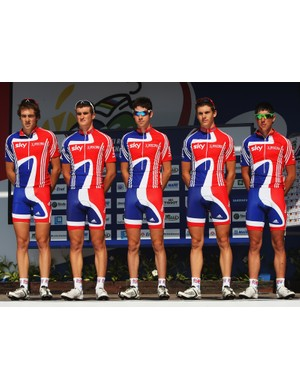 Alex Dowsett, Jonathan Bellis, Jonathan McEvoy, Ben Swift and Peter Kennaugh arrive for the start of the U23 road race at the 2008 World Championships