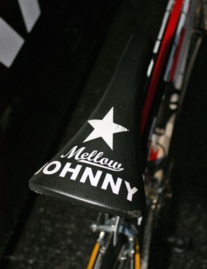 Armstrong has his usual Selle San Marco saddle on both bikes though the one on the primary rig is badged with the Mellow Johnny's logo.