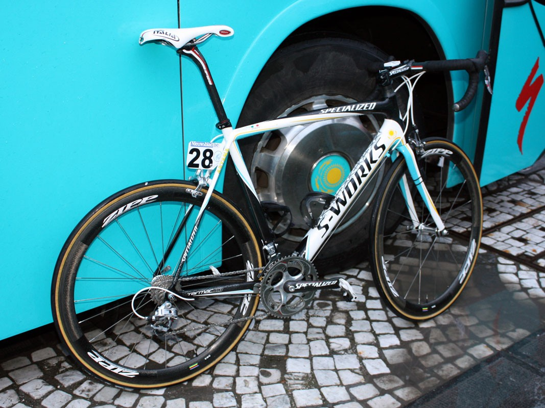 Mirko Selvaggi is one of the tallest riders on the Astana team and his saddle height landed his bike a ride to the Ronde van Vlaanderen start on top of one of the team cars instead of in the cargo bay of the bus