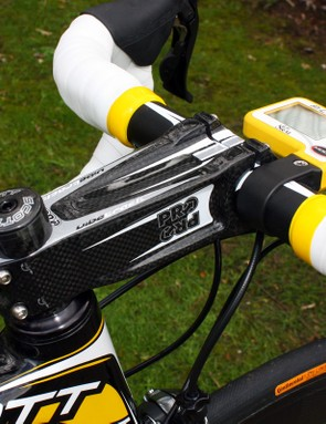 Cavendish continues to prefer PRO's massive Vibe Track carbon stem for its extra stiffness.