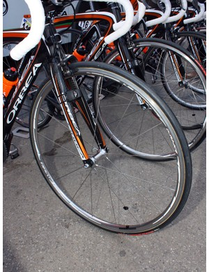 Euskaltel-Euskadi mechanics must have had these wheels in storage as Shimano haven't made these in years