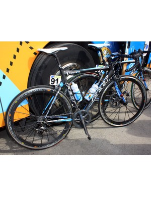 Tyler Farrar (Garmin-Transitions) set off from Antwerp aboard his usual Felt F1 but we expect him to use the team's slightly tweaked variants come Sunday's Paris-Roubaix