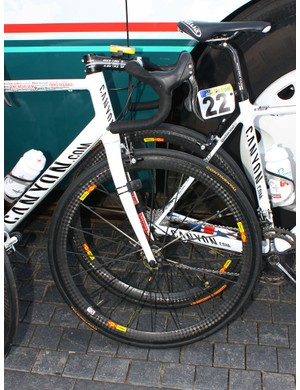 Omega Pharma-Lotto riders swapped out their shallow-section tubulars from Ronde van Vlaanderen in favour of faster and lighter Mavic Cosmic Carbone Ultimates