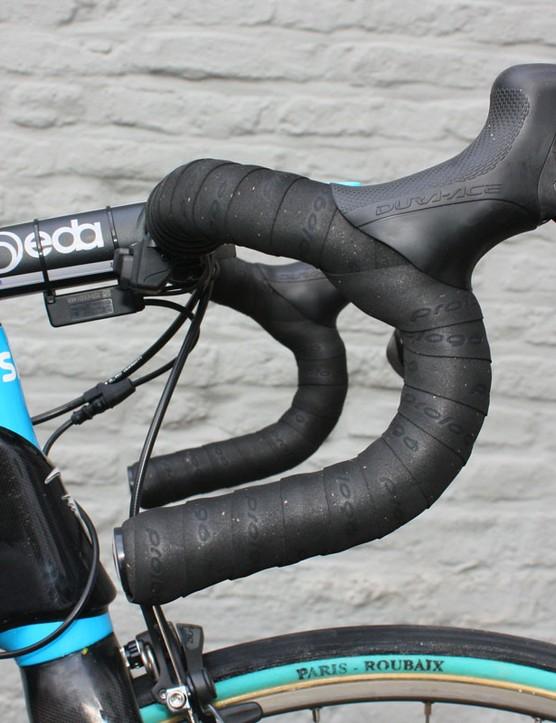 Flecha prefers a classic-bend handlebar.