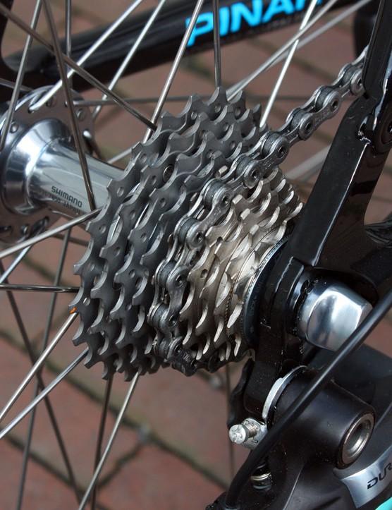 Flecha is running typical Paris-Roubaix gearing with an 11-23T cassette.