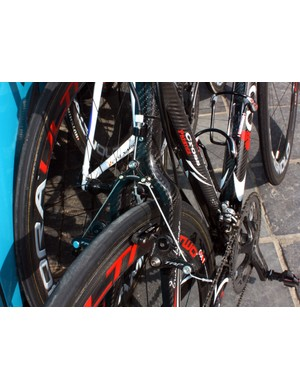 The carbon seat stays offer heaps of tyre clearance.