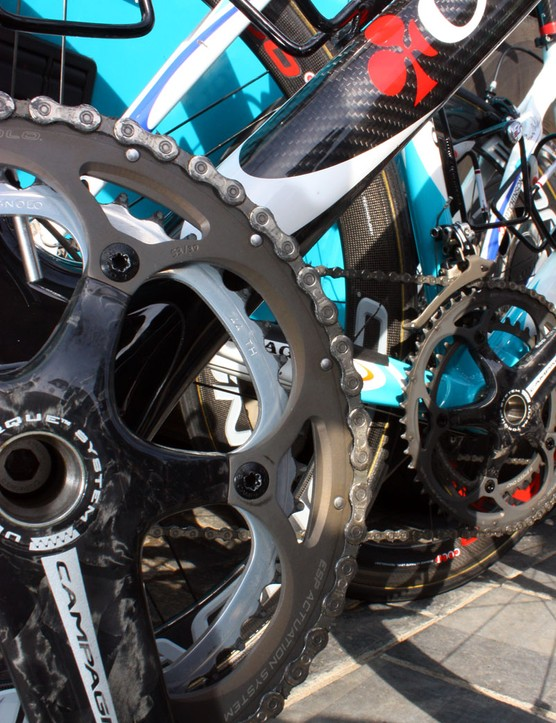 Like most riders at Paris-Roubaix, Bonnet is using 53/44T chainrings.