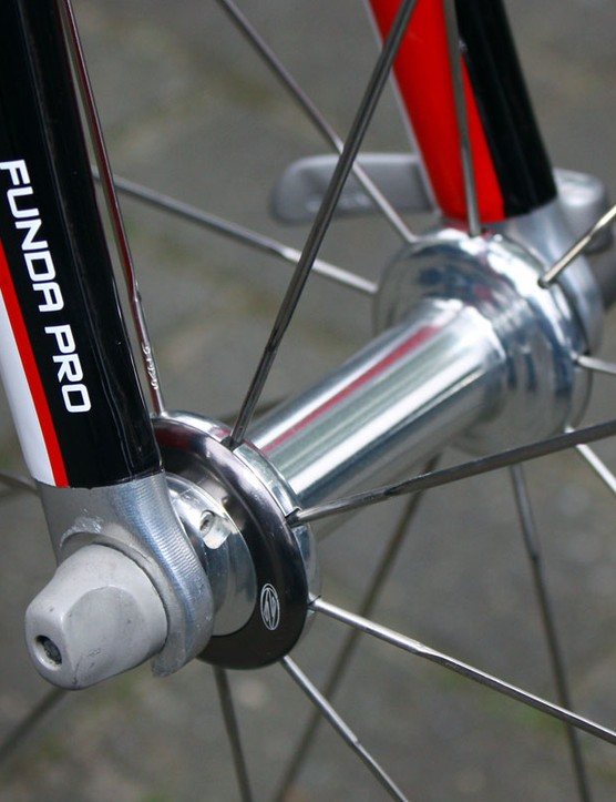 Zipp's latest 88 front hub features easily adjustable bearing preload.