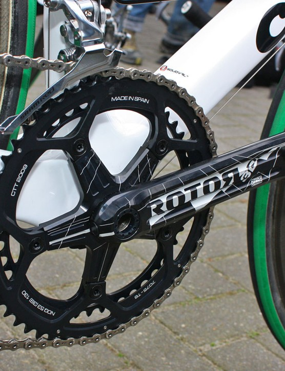 Rotor's 3D cranks use a unique longitudinal drilling pattern to create an effectively hollow structure.