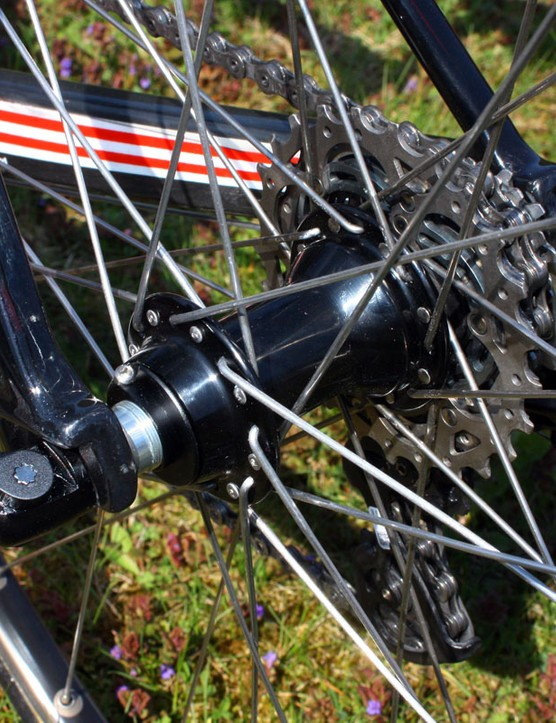 Standard Campagnolo Record hubs provide the foundation for Hincapie's box-section aluminium tubulars.