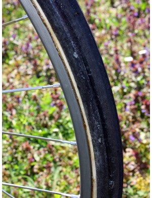 The unique base tape gives it away that these are FMB Paris-Roubaix Pro tubulars.