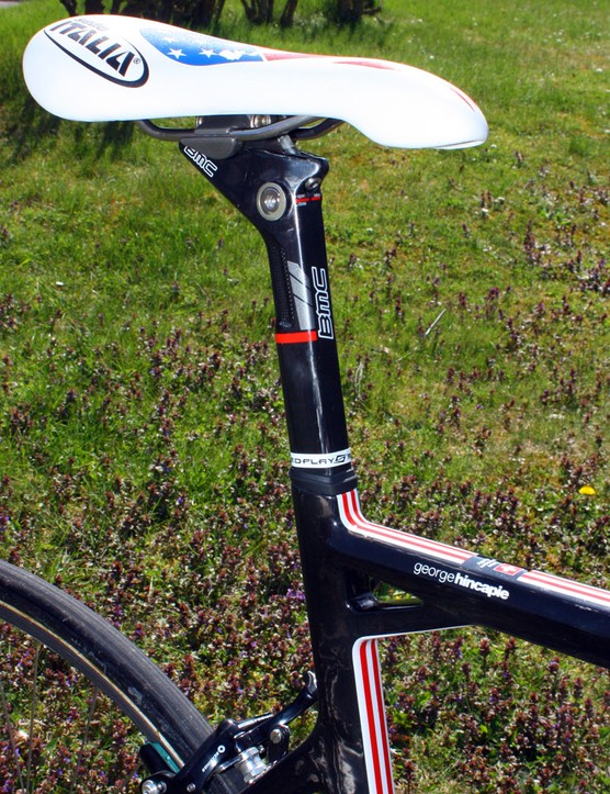 The carbon seatpost uses an internal wedge to secure it in the frame.