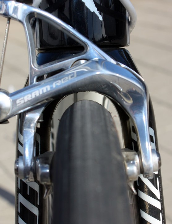 Clearance around the 27mm-wide FMB Paris-Roubaix Pro tubulars is quite good.