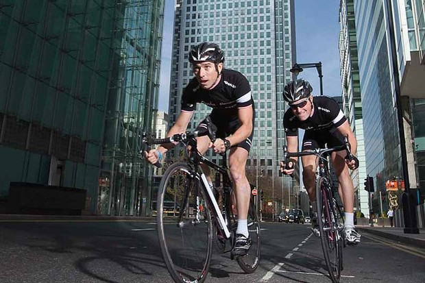 Dean Downing and Matt Cronshaw (Rapha Condor) in Canary Wharf, the venue for the first round of the Halfords Tour Series