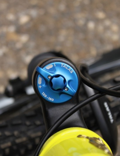 The new two-position TALAS adjustment toggles between 160mm and 120mm of travel