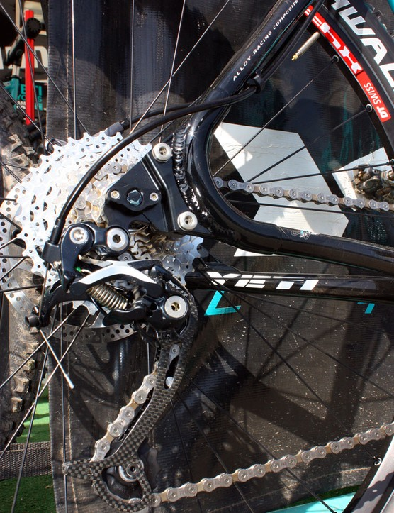 Swappable 'chips' will accept conventional 135x10mm quick-release rear wheels in addition to 142x12mm thru-axle setups.  If so desired, you can also swap in horizontal dropouts for singlespeed applications.