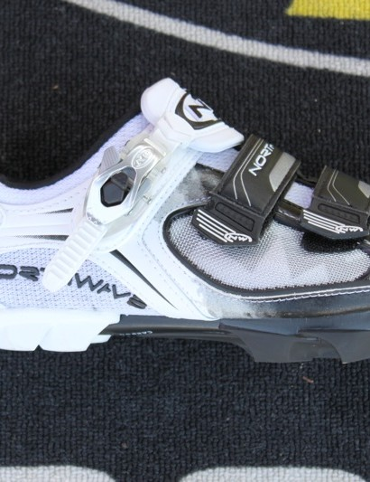 Northwave's black and white version of the Aerlite SBS MTB.
