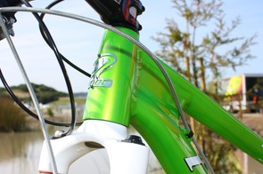 New for 2010 on the JET 9 is a tapered head tube, which improves steering precision and braking performance but also allows for a much bigger down tube and a claimed 30 percent jump in stiffness.