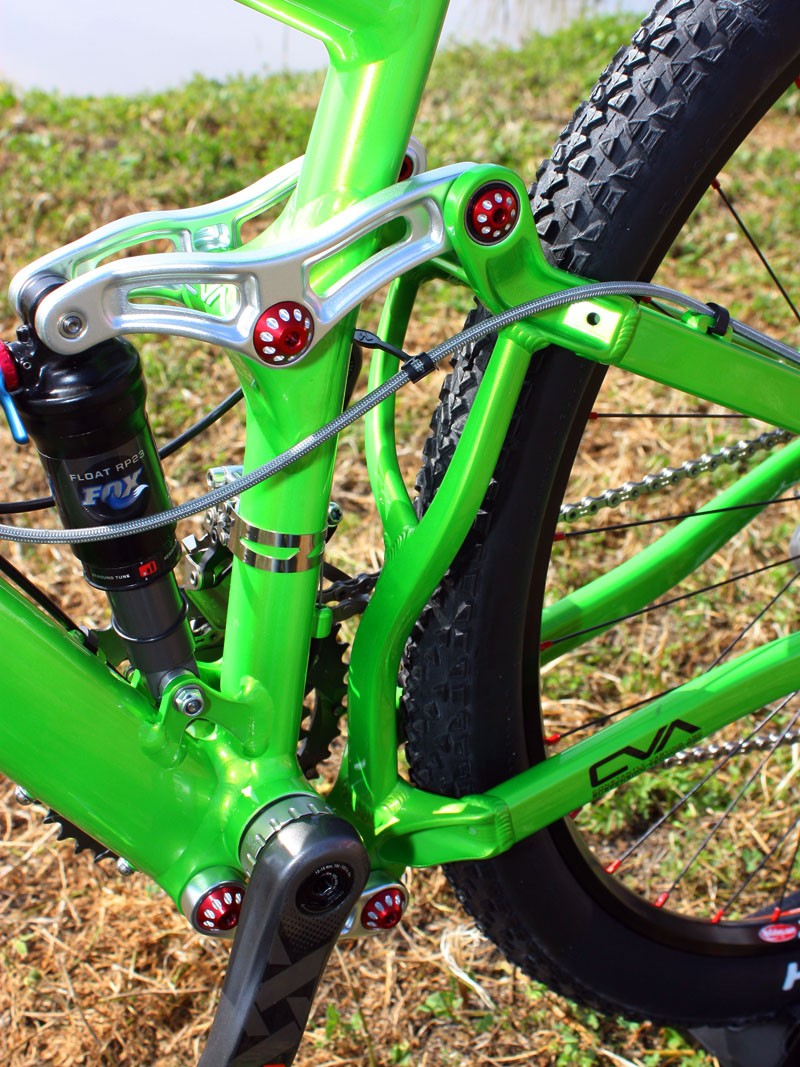 Niner principal Chris Sugai says the new rear triangle brace has been beefed up and lightened, too.