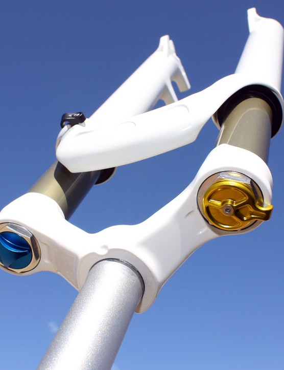 The anodised aluminium knobs lend a high-end appearance.