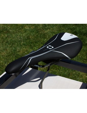 The top-end Bontrager Evoke RXL mountain bike saddle sports a minimal profile and hollow titanium rails on its way to a 195g claimed weight