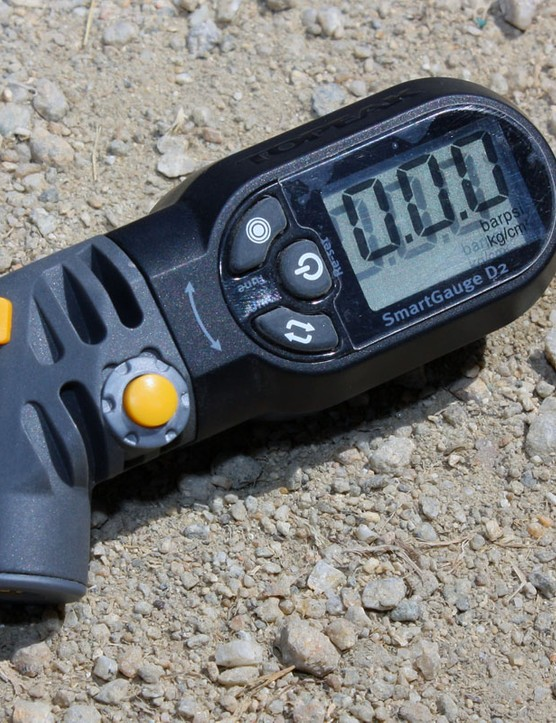 The new Topeak SmartGauge D2 features a pivoting head so the display is always visible.