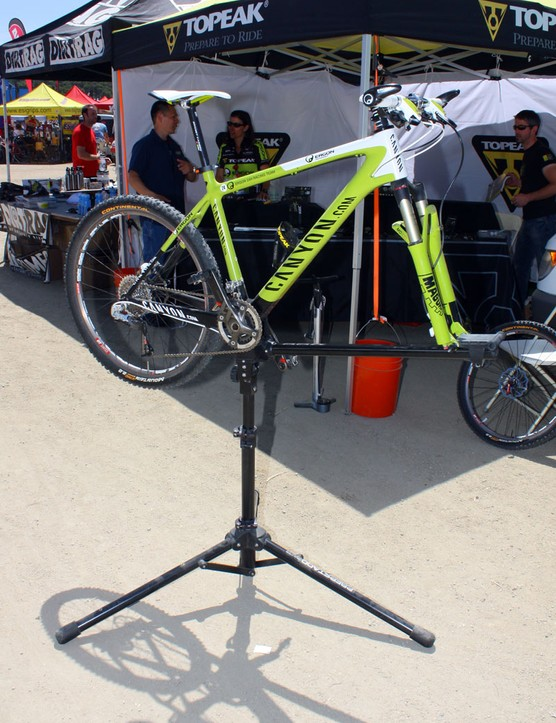 Unusual or fragile frame materials or shapes are easily accommodated on Topeak's PrepStand Race.