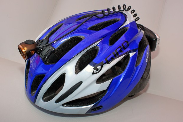 Light & Motion's new Vis 360° is a complete commuter-oriented lighting system designed to fit on your helmet with no additional wires to feed to a jersey pocket or pack.